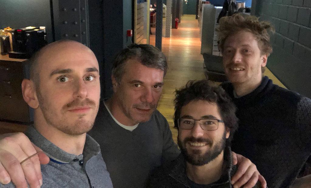 st-louis-grand-yellow-team-selfie