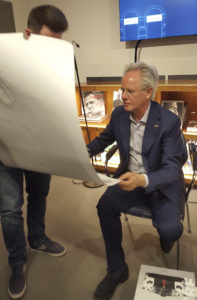 Matteo Rossi, meeting Horacio Pagani with a Corona Renderer print