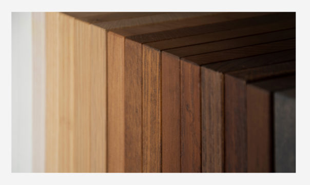 Real wood samples used as colour information - Massive Product Rendering
